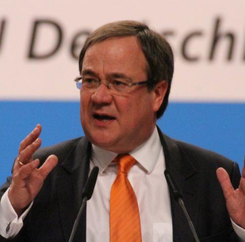 Armin_Laschet_CDU_Parteitag_2014_by_Olaf_Kosinsky-15